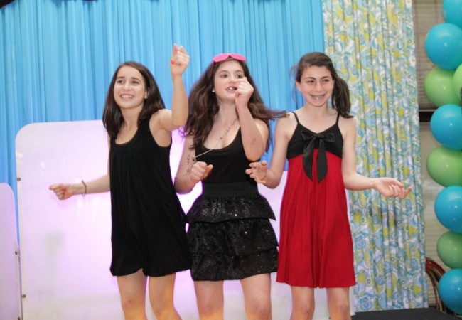 Odea-Entertainment-Mitzvah-DJ-Event-Chicago-618